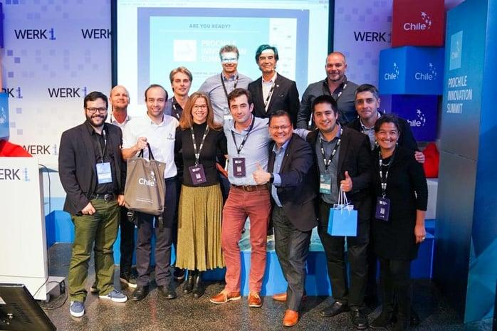fracttal-recibiendo-el-premio-de-pro-chile-innovation-summit